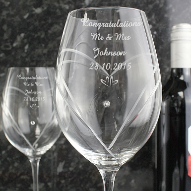 Personalised Hand Cut Little Hearts Diamante Wine Glasses with Swarovski Elements delivery to UK [United Kingdom]