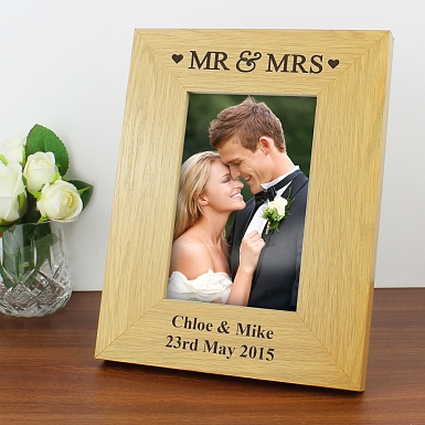 Personalised Oak Finish 6x4 Mr & Mrs Photo Frame